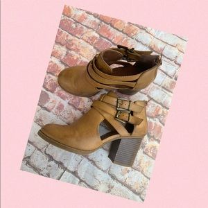 Ankle Bootie Soda Size 7.5